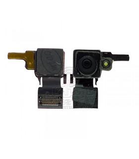 دوربین پشت آیفون 4